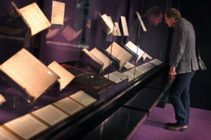 "Don't forget the ""Treasure Room"" of the British library: in, up the stairs on the left, no card or payment, and within seconds you're looking at the Beowulf manuscript, the Magna Carta, Wilfred Owen's poetry notebook, the manuscript of Alice in Wonderland, Scott's diary... one of Lond's most overlooked highlights."
