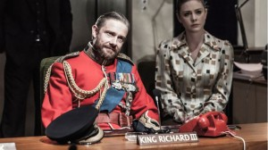 richard-iii-martin-freeman-and-lauren-oneil-photo-marc-brenner